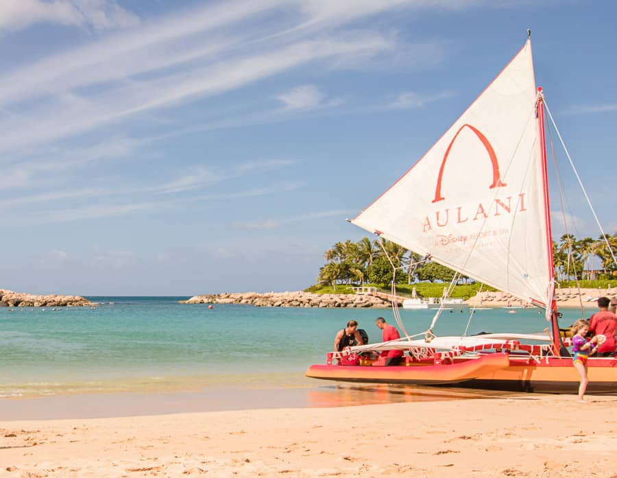 Catamaran loads up with families at Disney Aulani KoOlina
