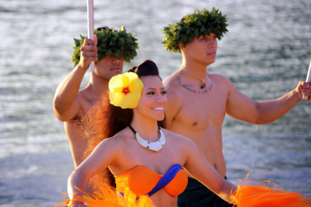 Polynesian style dancers at Polynesian cultural center on Oahu's north shore. Things to do on Oahu with kids.