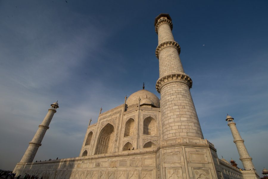 Image of the Taj Mahal from a side view.